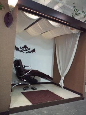 浦添市にある美容室 DiDi un Modeの店内雰囲気